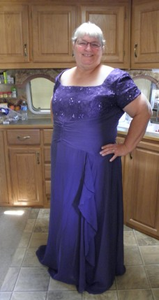 formal wedding attire for plus size women