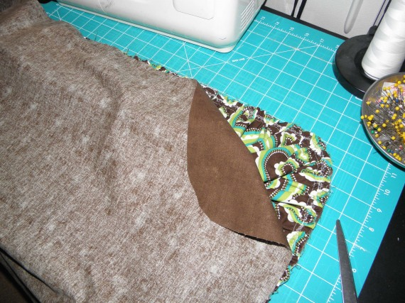 sewing a ruffled pillow