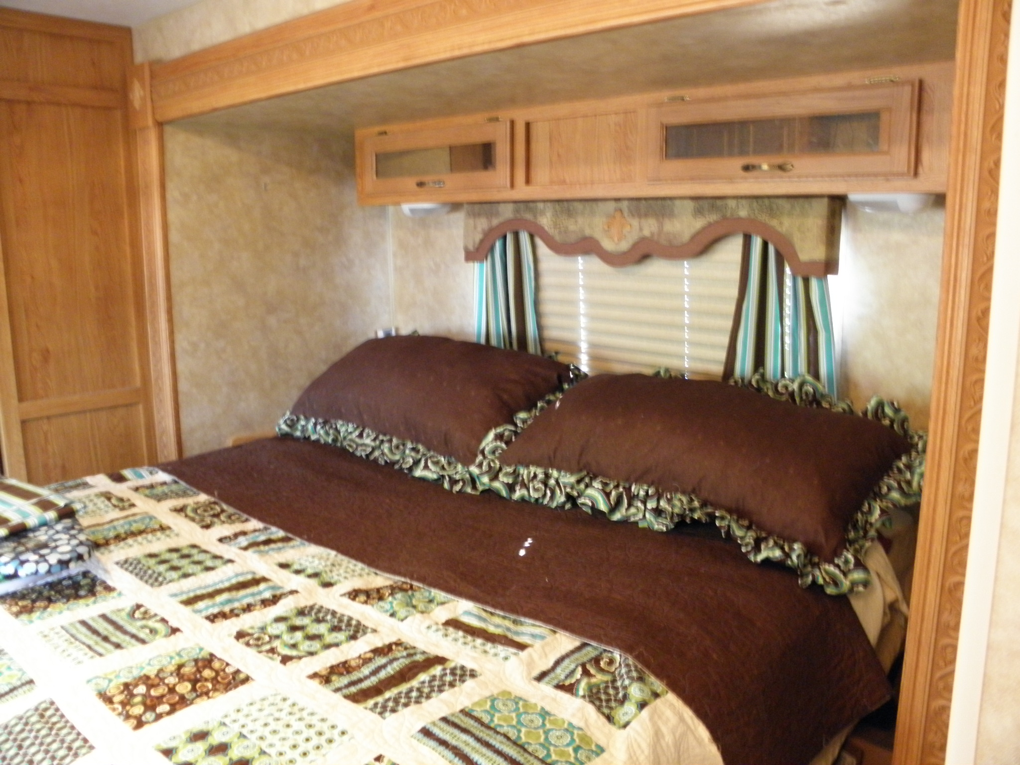 Redecorating the rv bedroom fabgrandma for Redecorating bedroom