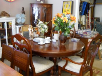 thrift store dining room suite