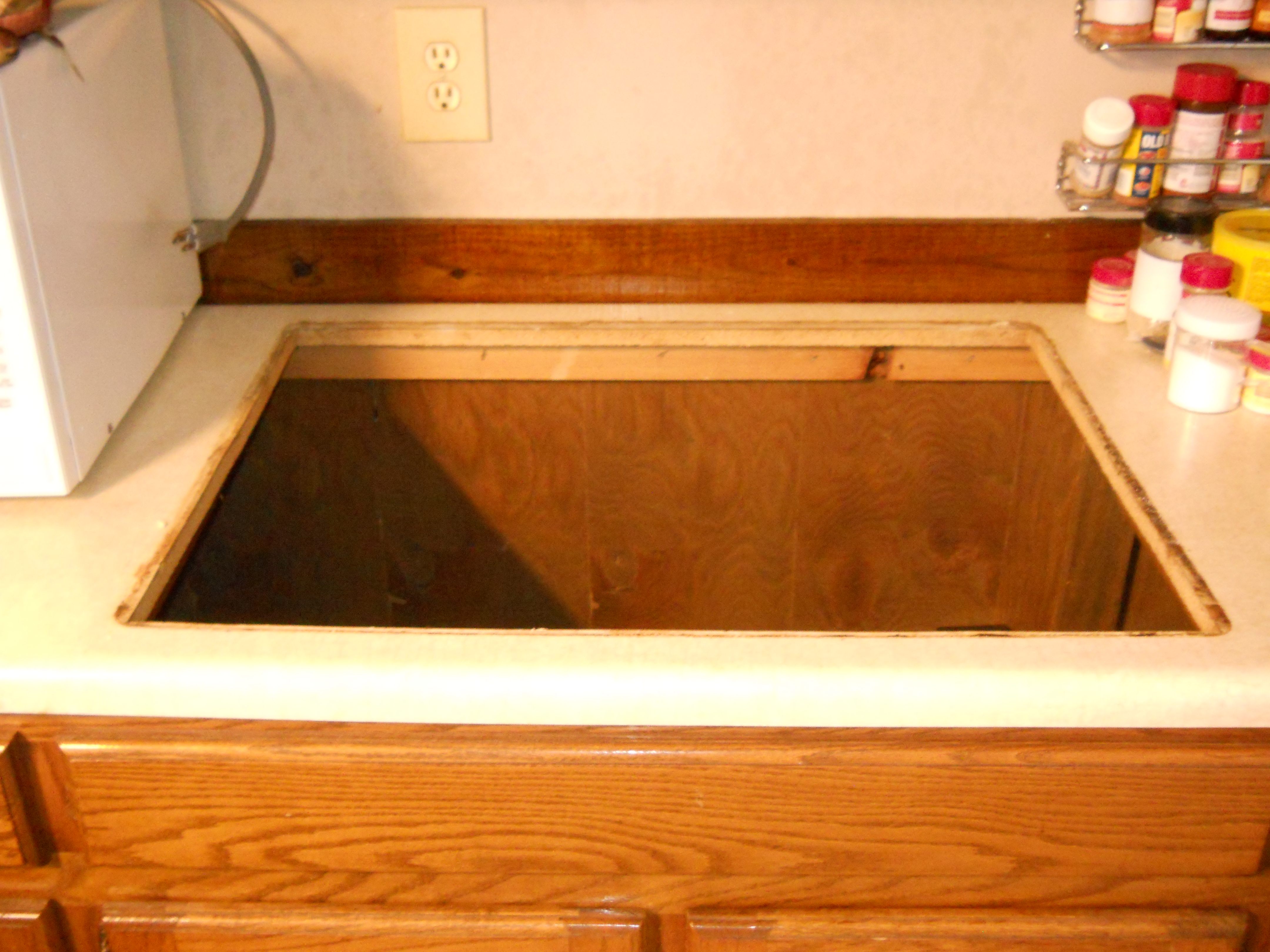 DIY: Repairing A Kitchen Counter