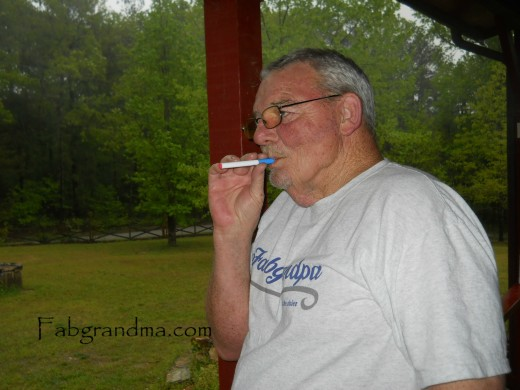 Fabgrandpa trying out the V2 e-cig