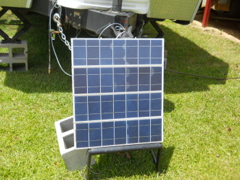 06 solar battery charger