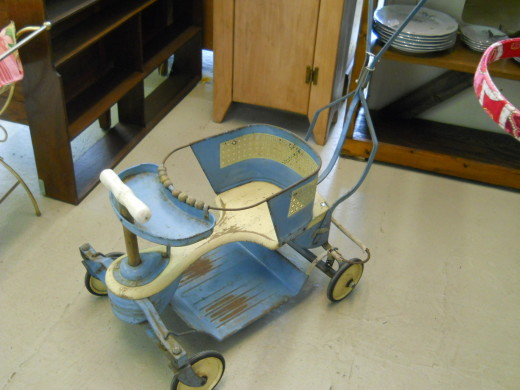 We saw this stroller in an antique shop in Cedartown