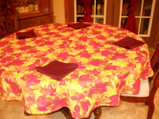 My round tablecloth completed.
