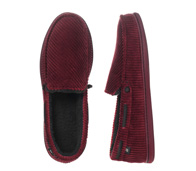 Family Gift Guide: Dearfoams Slippers For Men And Women Giveaway