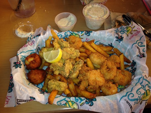 Fried Shrimp and Fried Oysters at Lulu's Destin