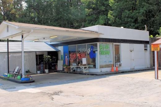 the blue chicken thrift store dallas georgia