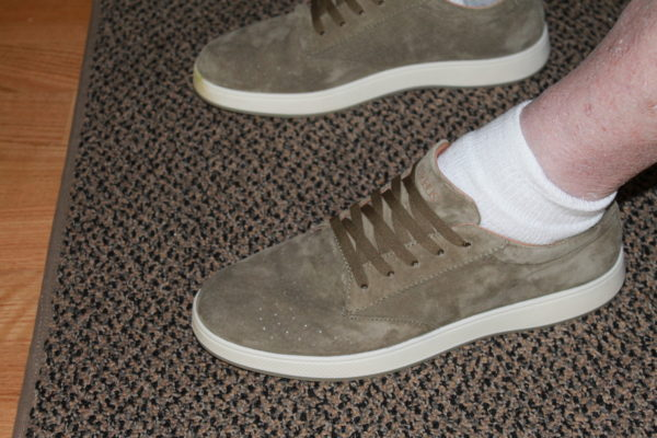 The Fortis shoes by Aureus look good on Fabgrandpa's feet.