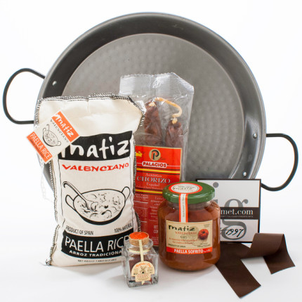 Paella Gift Kit from Overstock.com
