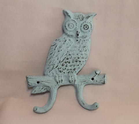 My little blue owl hook for potholders