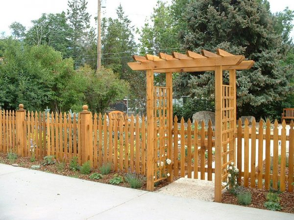fencing for privacy and safety