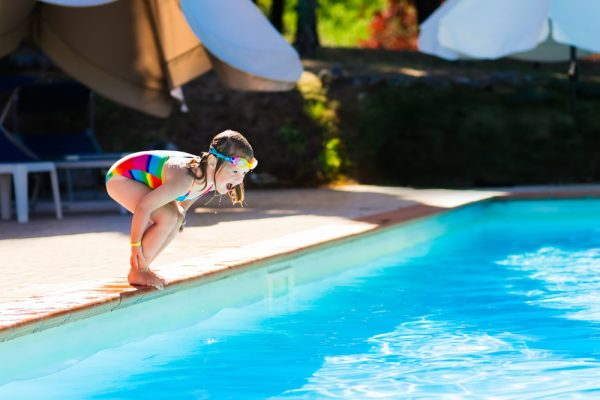 keep kids safe around swimming pools