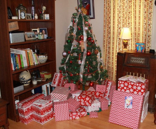 My Christmas tree with all the presents